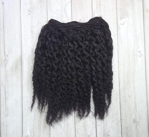 cheveux ondulés noir