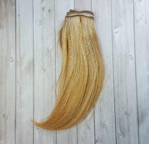 cheveux raide blond clair