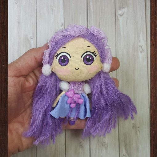 mini poupée kawaii violette